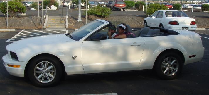 IMHawaii08_KonaPreRace_Mustang